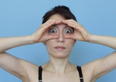 15-face-yoga-method-get-rid-of-forehead-wrinkles-4