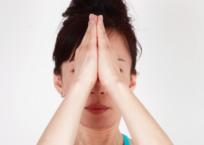 23-face-yoga-method-acupressure-push-headache-relief-2