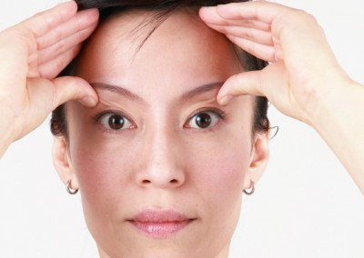 23-face-yoga-method-acupressure-push-headache-relief-4