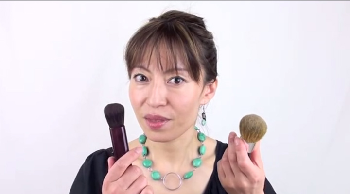 Scary Truth About Your Make Up Brushes