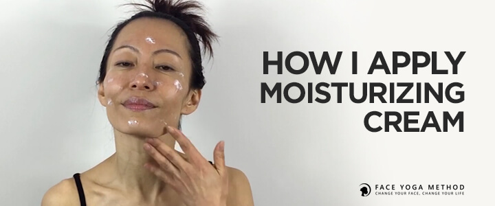 In the photo Fumiko Takatsu showing how to apply a moisturizer properly